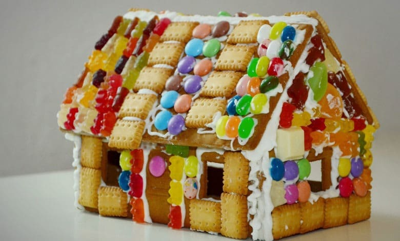 gingerbread house 1098731 1280